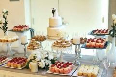 stylish-wedding-dessert-table-decor-ideas-12
